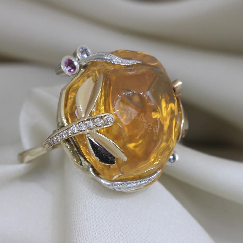 Златен пръстен с огнен опал