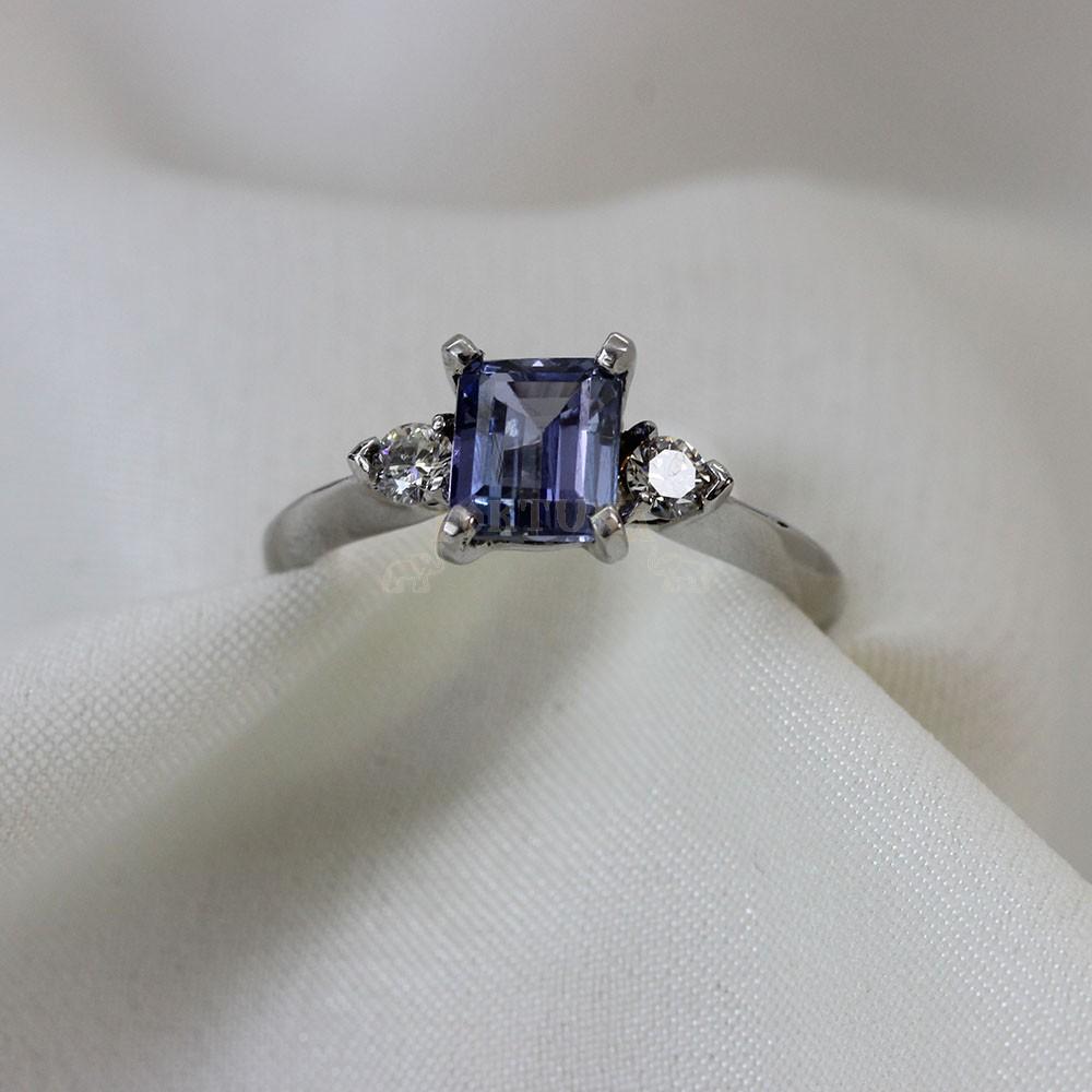 Златен дамски пръстен с танзанит и брилянти