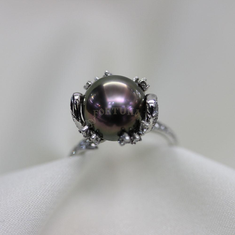 Дамски пръстен черна перла и брилянти