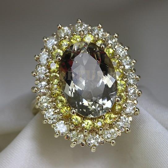 Златен пръстен берил, сапфири и брилянти