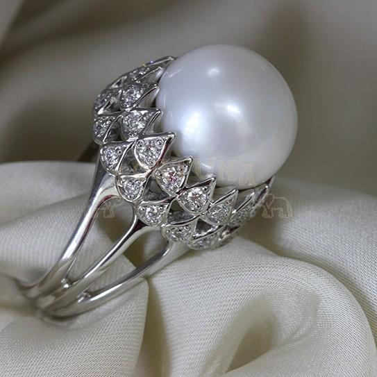 Дамски пръстен перла с брилянти