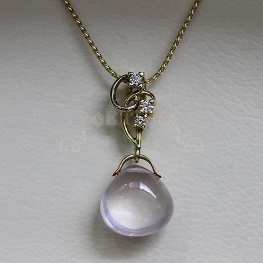Златен медальон с кварц и брилянти