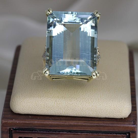 Златен пръстен с аквамарин и брилянти