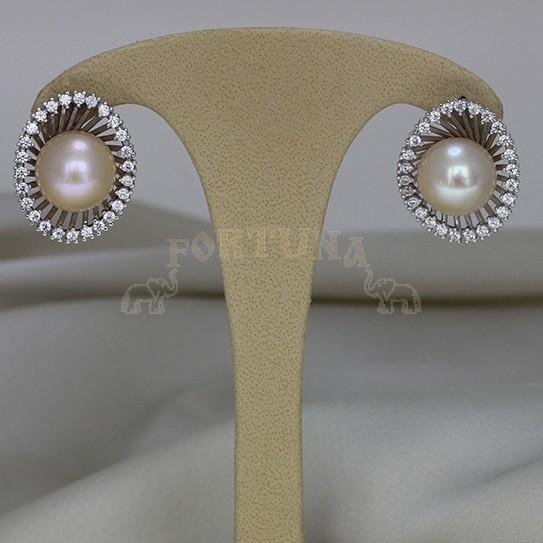 Златни обеци с перли и циркони