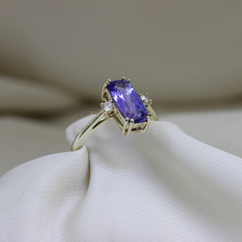 Златен пръстен с танзанит и брилянти