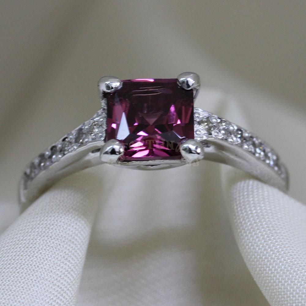Златен пръстен с розов турмалин и брилянти