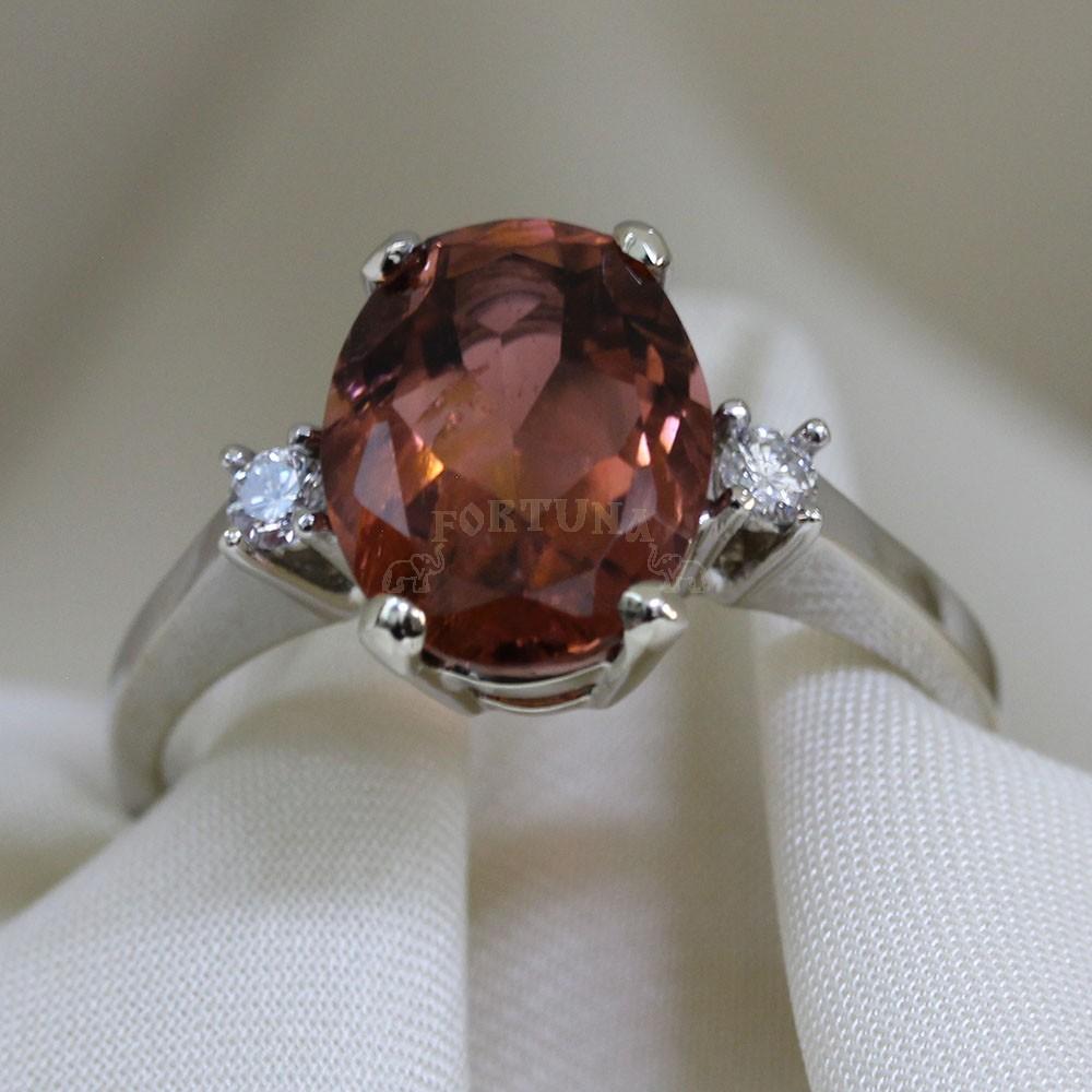 Златен пръстен с турмалин и брилянти