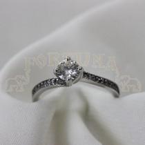 Златен пръстен с брилянт и сапфири