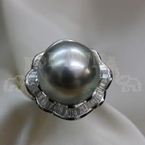 Златен дамски пръстен с перла и брилянти