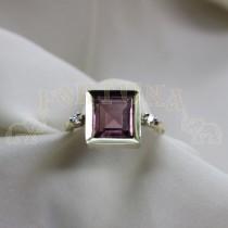 Златен дамски пръстен с брилянти и  турмалин