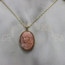 Медальон камеа, жълто злато, корал