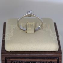 Златен пръстен с диамант