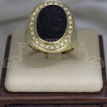 Златен пръстен с оникс и брилянти