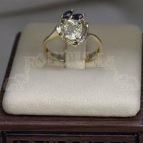 Златен пръстен със сапфир и маркизи