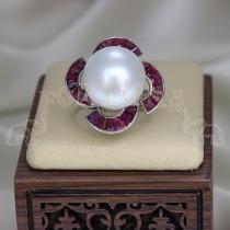 Златен пръстен перла и рубини