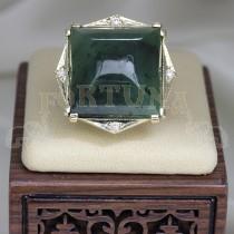 Златен пръстен с нефрит и брилянти