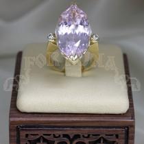 Златен пръстен с кунцит и брилянти