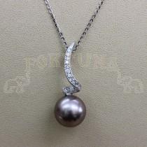 Златен медальон с океанска перла