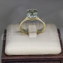 Златен пръстен със сапфир
