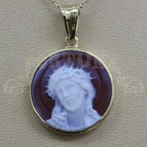 Златен медальон със сардоникс