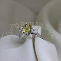 Златен пръстен с жълт сапфир и брилянти