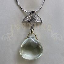 Златен медальон със зелен аметист