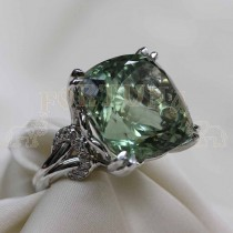 Златен пръстен с аметист и брилянти