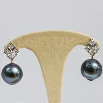 Златни обеци с перли и брилянти