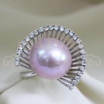 Златен пръстен с розова перла и брилянти
