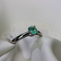 Дамски пръстен с изумруд