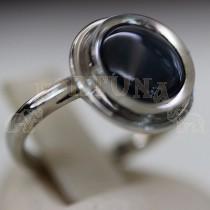 Дамски пръстен със звезден сапфир