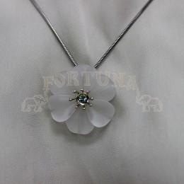 Медальон планински кристол и син топаз