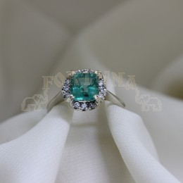 Златен пръстен с изумруд и брилянти