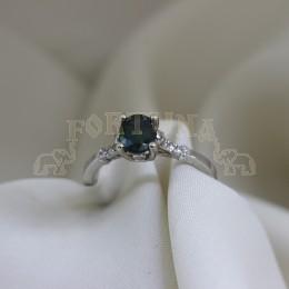 Златен пръстен със зелен сапфир и брилянти