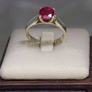 Златен пръстен с рубин