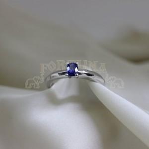 Дамски пръстен с сапфир