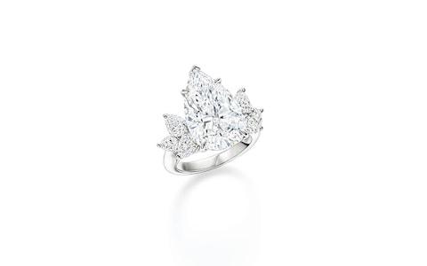 Диамантен пръстен с крушовиден диамант